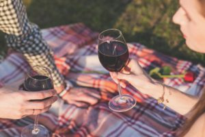 unexpected Valentine's Day ideas - picnic in the city